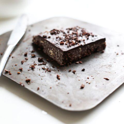 raw-hazelnut-chocolate-slice1